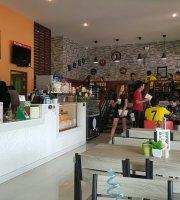 Ete Cafe & Restaurant