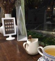 24 Cafe & bistro