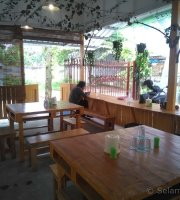 Warung S Three