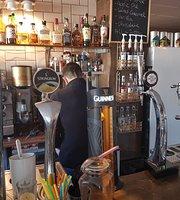 Cafeina Vintage Cafe Bar