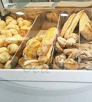 Boca Doce Avintes - Pão Quente & Confeitaria