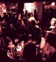 Hemingway's Music Bar
