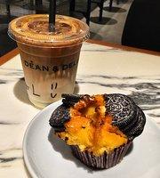 Dean and Deluca Cafe, Shin-Osaka