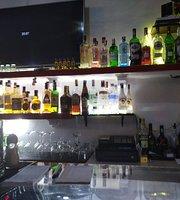 Moly's Bar