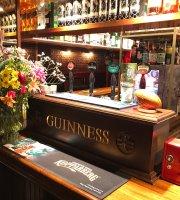Sindi's Pub