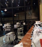 Z Kitchen Coffee & Resto