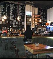 No13 kávézó és kultúrkocsma