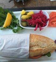 Mezgit Restaurant & Cafe