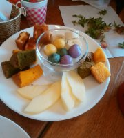 Komeko Cafe Umeka