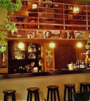 kafe Arkouda Classic Jazz Rock & Blues Bar