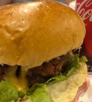 Famous Burger Copacabana