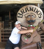 Brandos Bar and Grill