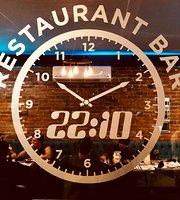 Restaurant Bar 22:10