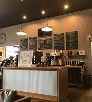 Gus's Coffee, Creamery & Cafe