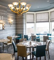 Coast Restaurant at Glendower Hotel