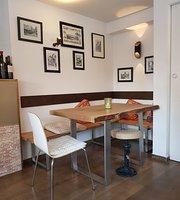 Freddo's Cafè Bar