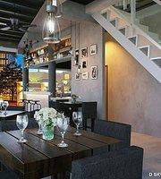 D-Sky Bar & Restaurant