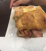 La Bocca Deli Cafe