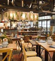 Barefoot Coffee & Bar
