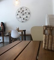 Mimi's Café