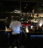 El Tenedor Restaurant Wine Bar