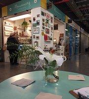 Mamamery Corner Cafe
