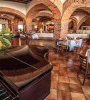 Emilia Restaurant