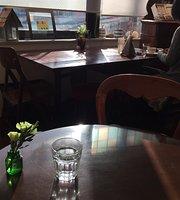 Le Cafe de Herrison