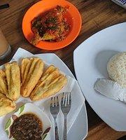 D'Padmaya Cafe