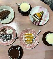 Nero Miciok Cat Cafe