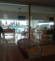 Las Dos (Pool Bar-Restaurant)