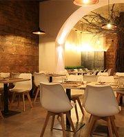 Nihara Organic Restaurant & Market