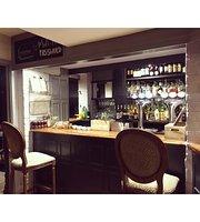 Valpy Street Bar & Bistro