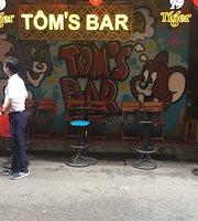 Tom's Bar