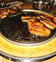 MeokBang Korean BBQ & BAR (King Wah Centre)