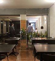 Emme Lounge & Food