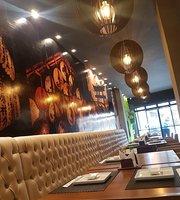 Hadashi Lounge Sushi