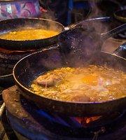 P'Lek Pad Thai Charcoal Stove