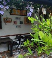 Pinemma Cafe y Jardin