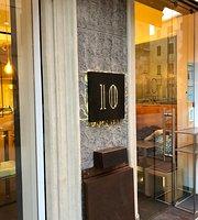 10 Lounge Bar