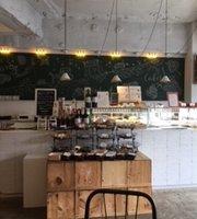 Tsuru Cafe