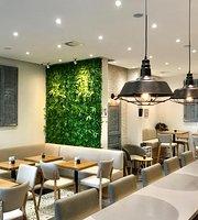 Hinterhof Café Restaurant Weinbar