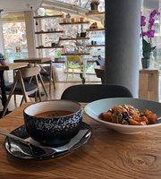 Café Parallel 43