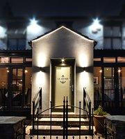 La Anchor Bar & Restaurant