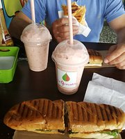 ‪La Guayaba Smoothie & Snack Bar‬