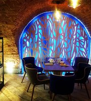 Sova i Medved Wine Bar