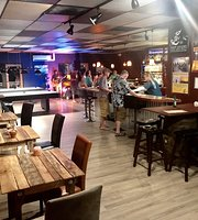Tap Deck Bar & Billiards