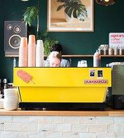 Bestie Cafe