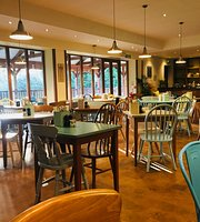 Spot in the Woods - Kitchen Cafe