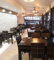 Al Medina Mediterranean & Middle Eastern Restaurant